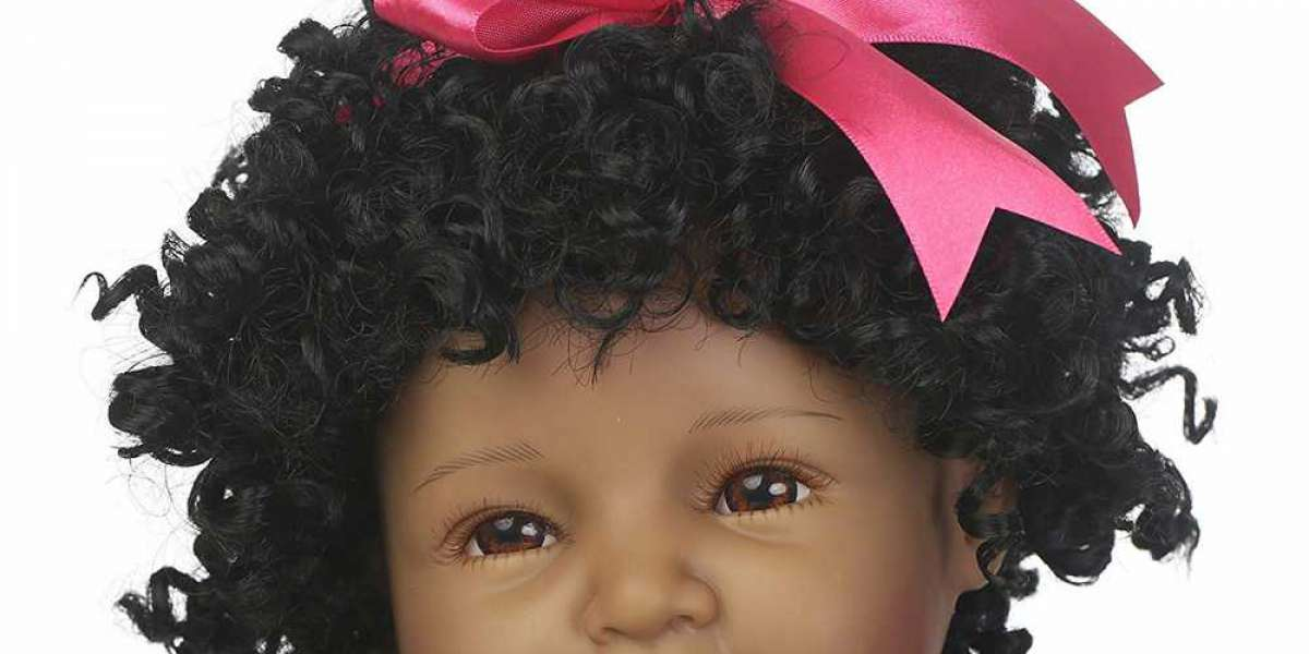 Young women love dolls and Silicone Reborn Babies